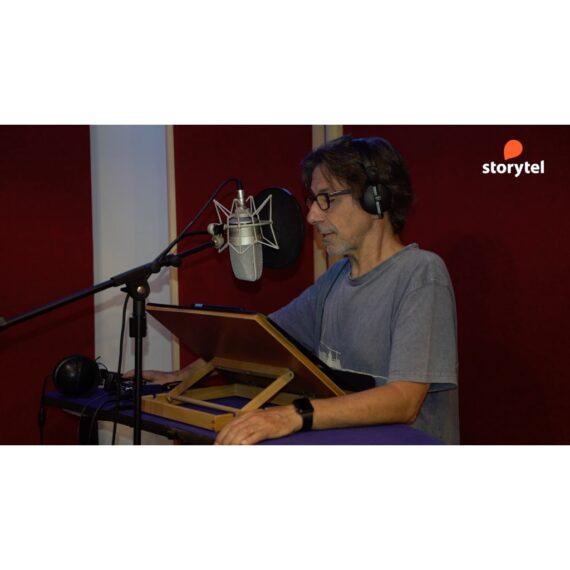 "Jordi Boixaderas narrant ""Los diarios de Castamar"" per a Storytel"